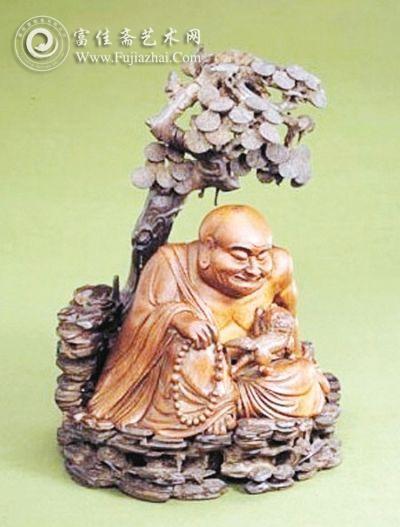 乍看市场上根雕作品不少,但仔细观察每件均不相同,根雕作品其实每件都